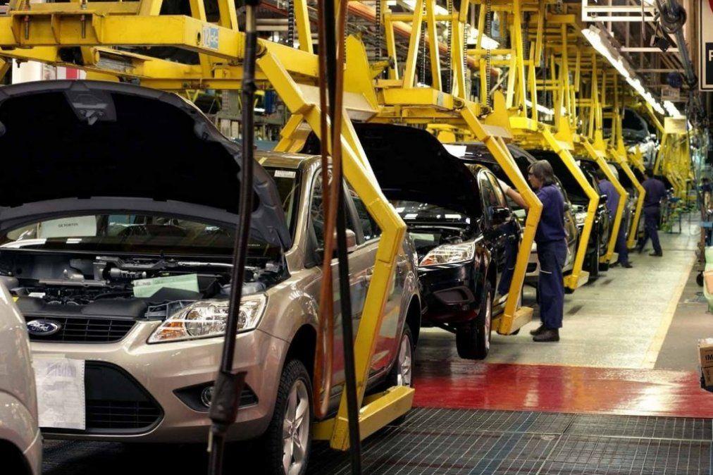La producción automotriz cayó 16,4% en febrero