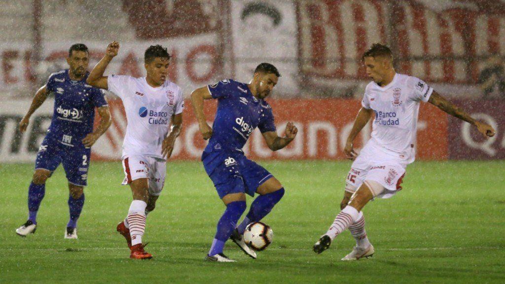 Huracán perdió 1-0 ante Cruzeiro en su debut en la Copa Libertadores