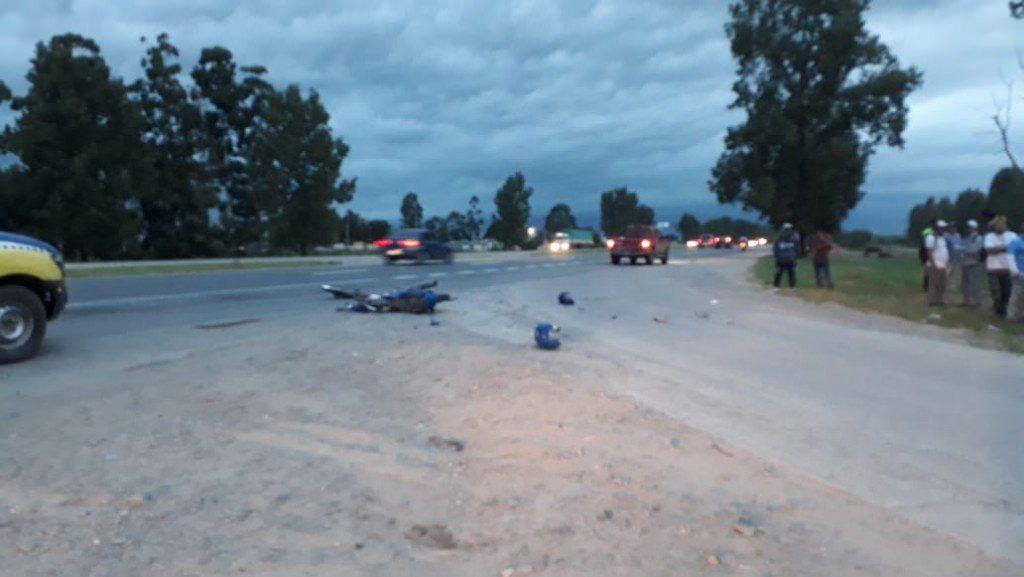 Accidente entre una camioneta y una moto en la zona del Mercofrut