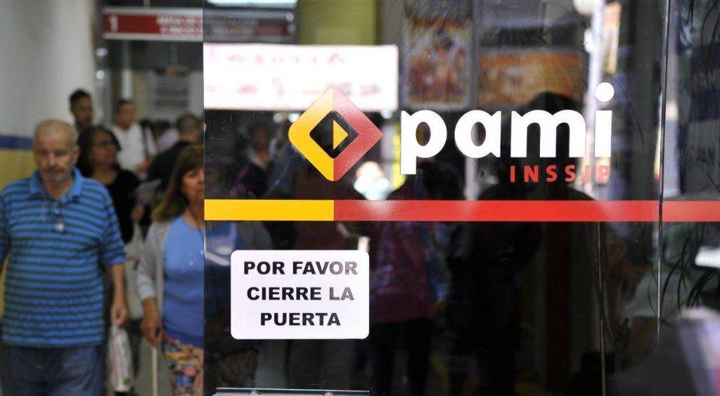 Revelaron una estafa al PAMI de casi un millón de dólares en recetas truchas