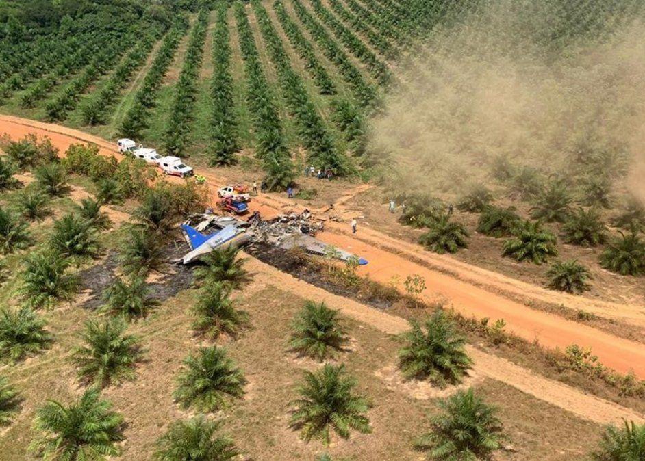 Murieron 12 personas en un accidente aéreo en una zona rural colombiana