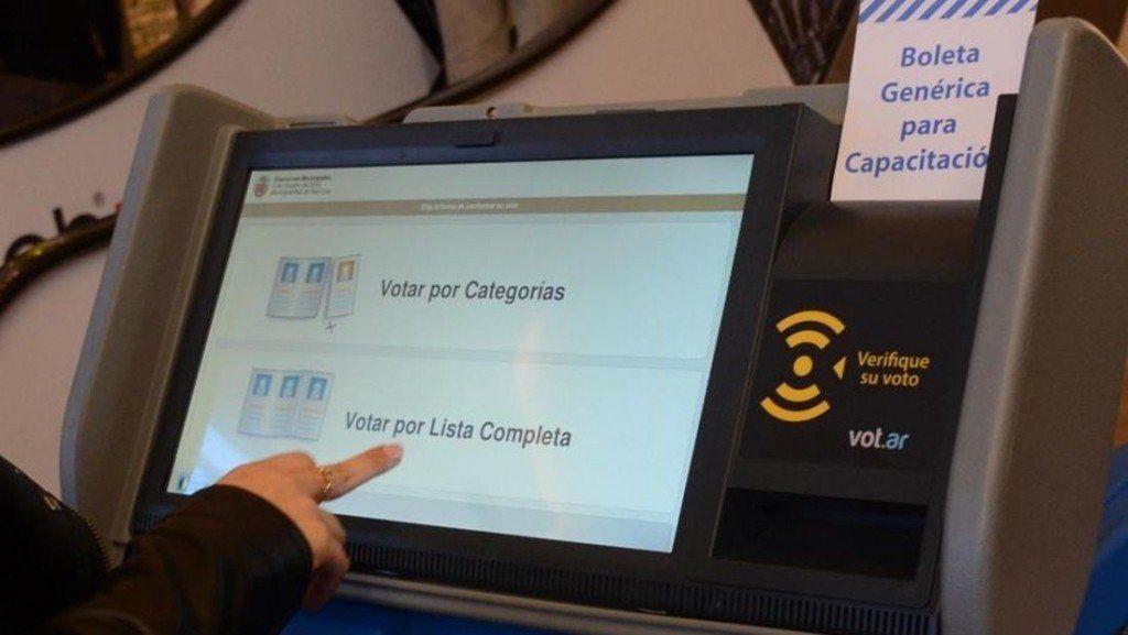 Denuncian irregularidades en el voto electrónico en Neuquén