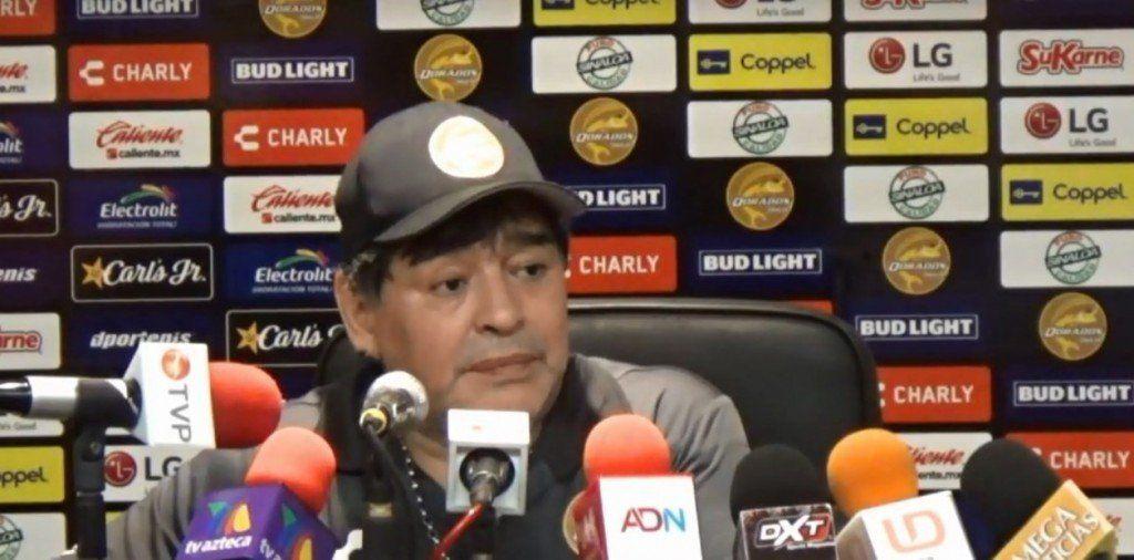 """Maradona, lapidario con Scaloni por la ausencia de Agüero en la Selección: """"Le faltó el respeto a la pelota"""""""