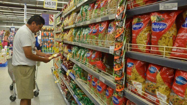 Proyectan inflación de 3,8% para febrero con mayores alzas en alimentos y productos para el hogar