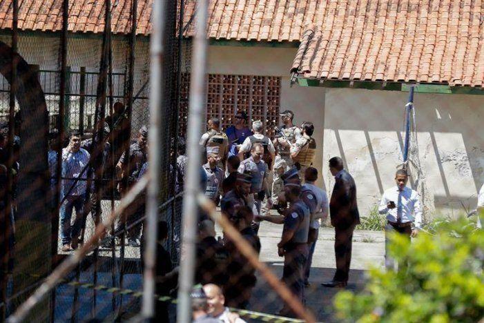 En una escuela brasileña, dos jóvenes asesinaron al menos a ocho personas y se suicidaron
