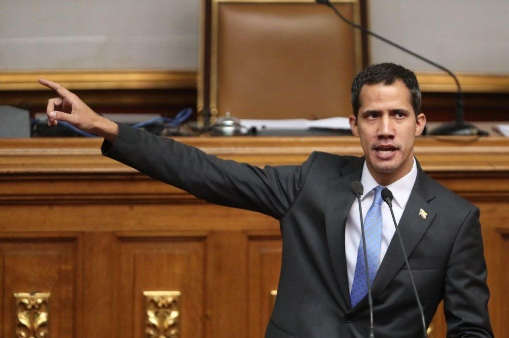 Investigan a Juan Guaidó por su presunta responsabilidad en la crisis eléctrica