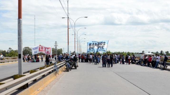 Habrá cortes en la autopista Santiago-La Banda