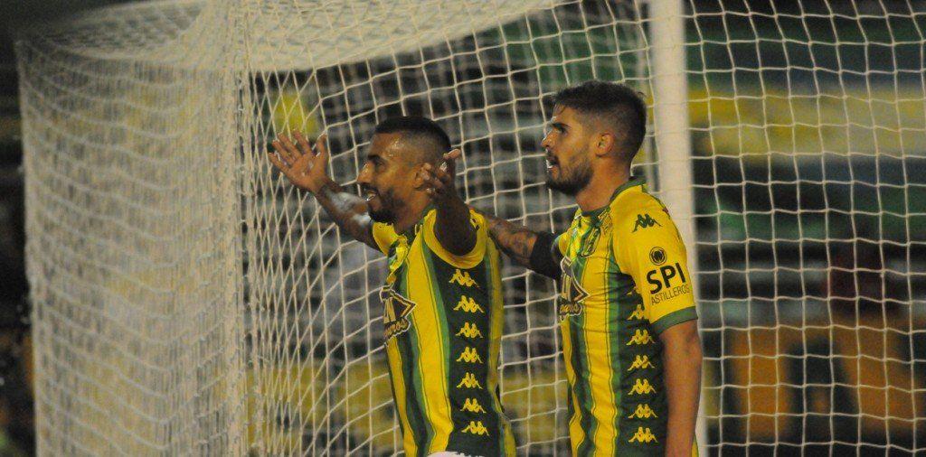 Aldosivi goleó a Colón, aseguró la permanencia y sueña con la Sudamericana