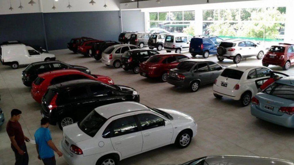 La venta de autos usados cayó en el intermensual de febrero, a pesar del aumento interanual