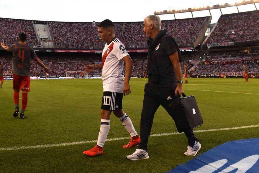 El colombiano Juanfer Quintero se rompió los ligamentos cruzados