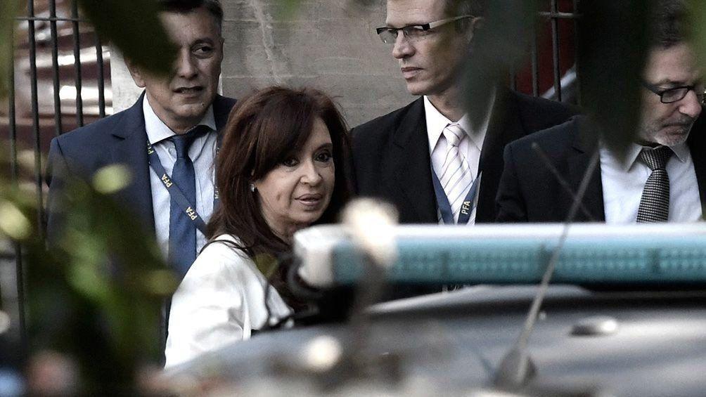 Bonadío dictó la prisión preventiva para Cristina Kirchner como jefa de una asociación ilícita