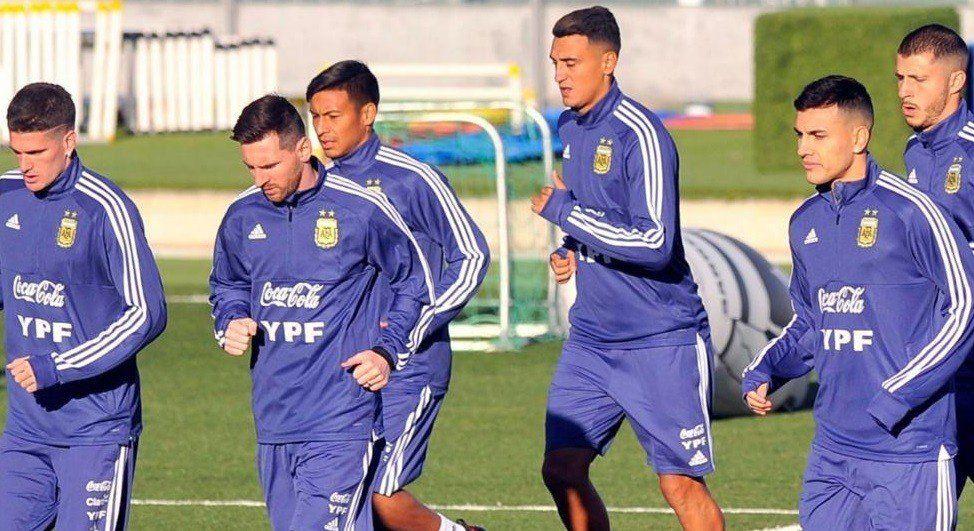 Scaloni le encontró a Messi un Suárez para la Selección