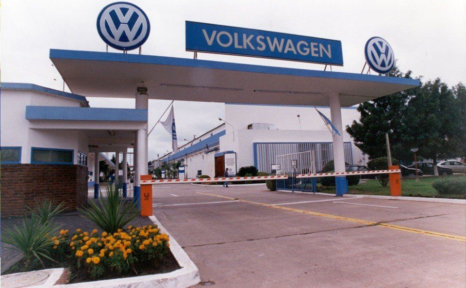 Por ajustes en su planta, Volkswagen Argentina suspenderá a 400 operarios
