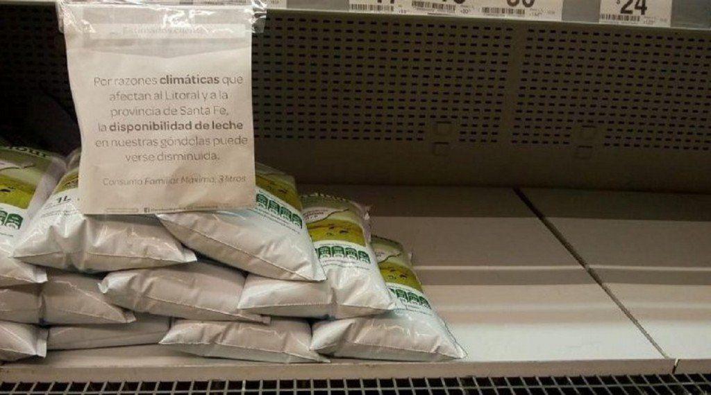 Hay faltante de leche en los supermercados y aumentaron los precios