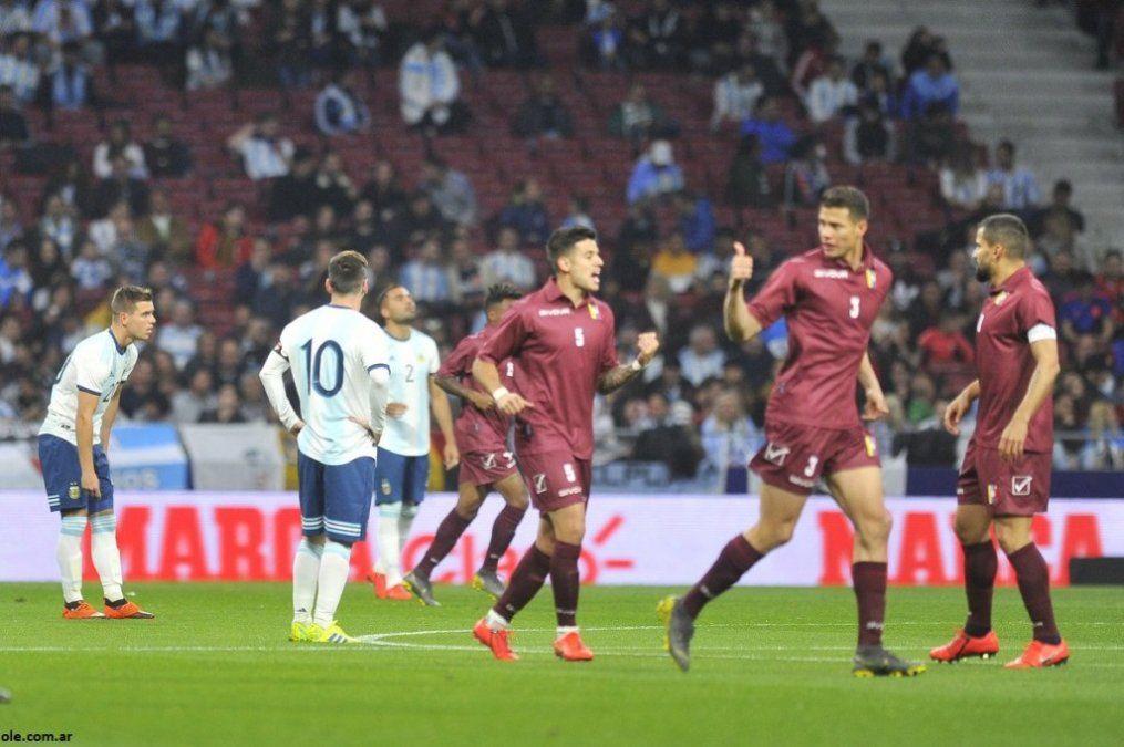 Venezuela aprovechó una mala actuación de Argentina y ganó 3-1