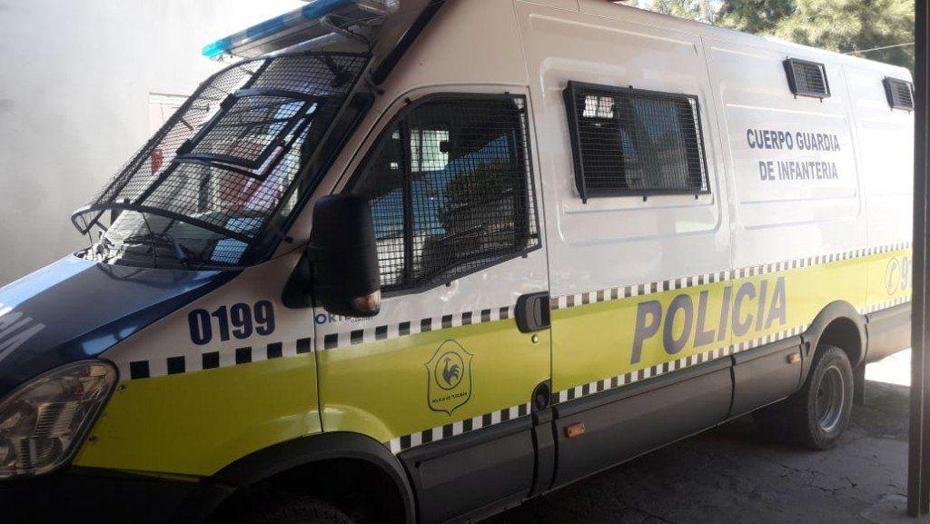 Tres aprehendidos por un ataque a policías en un allanamiento