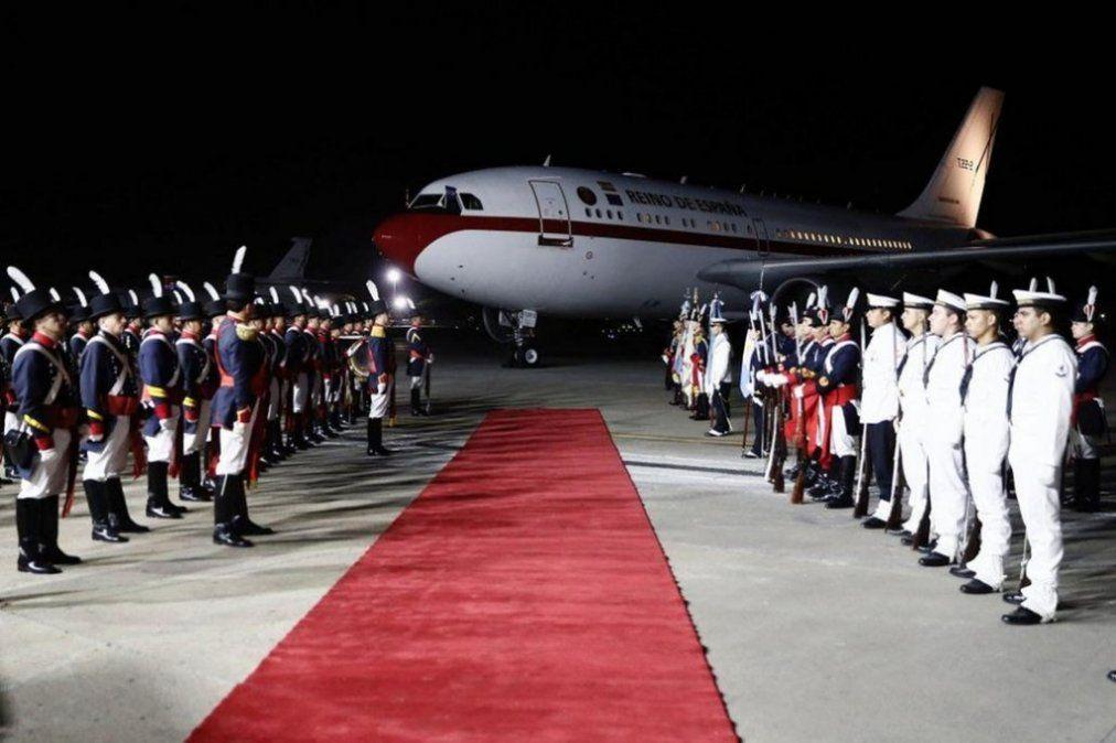 El avión del rey de España rozó al Tango 04 luego de aterrizar en Buenos Aires