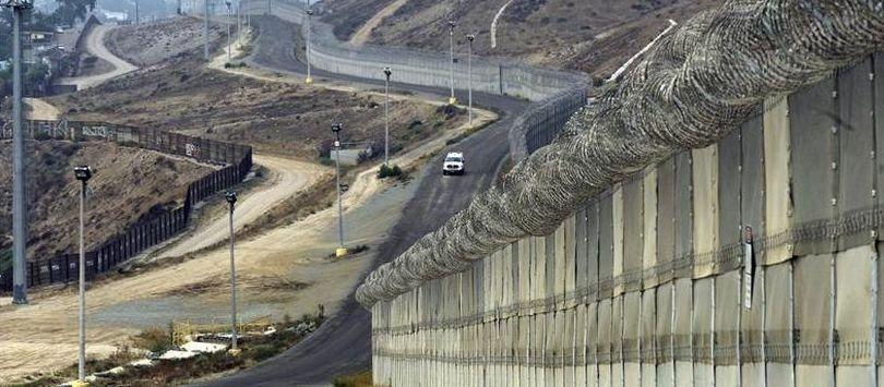 El Pentágono autoriza U$D 1000 millones para construir vallas fronterizas con México