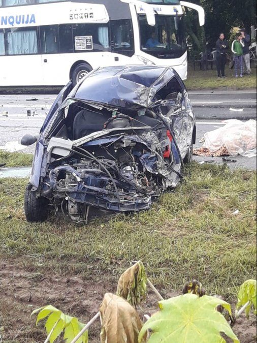 Muere una persona tras el choque de un camión y un automóvil
