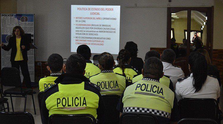 Intensifican la capacitación para profesionalizar a los efectivos policiales y del Servicio Penitenciario