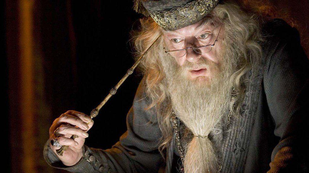 ¿Sabías que uno de los personajes más queridos de la saga Harry Potter era gay?