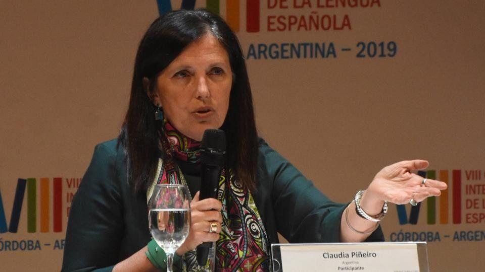 Claudia Piñeiro conmovió con su discurso y su canto