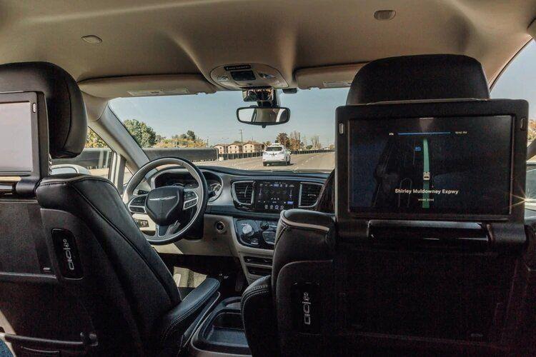 En el futuro, los autos no podrán circular masivamente sin conductor