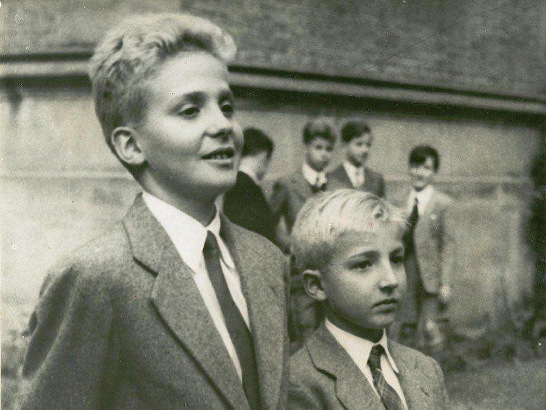 Hace 63 años, el rey Juan Carlos de España, mató a su hermano y nunca se supo si fue o no un accidente