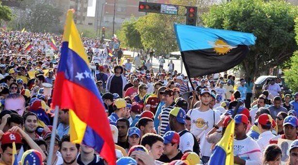 Los bandos políticos se manifestaron en gran parte del país