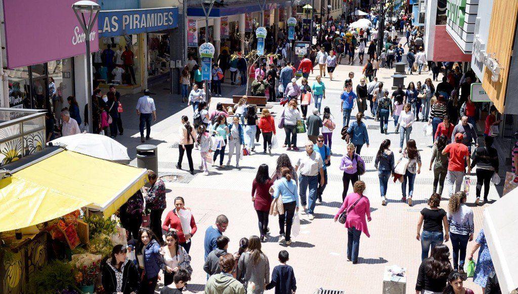 Cayeron en marzo un 13,2% las ventas en comercios al público
