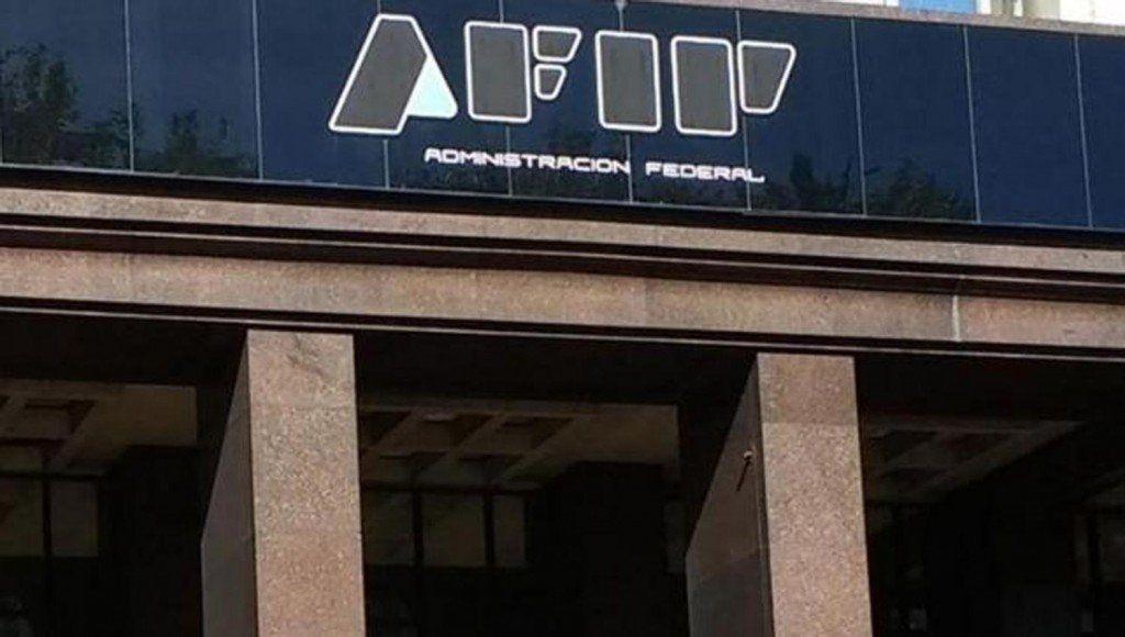 AFIP controlará virtualmente a 5 mil comercios grandes