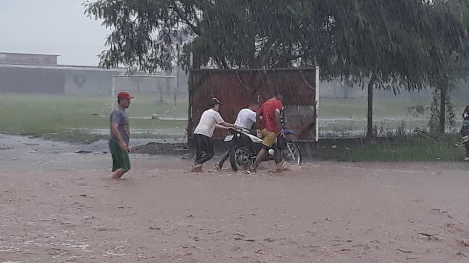 Funciona un Centro de Evacuados en la Escuela de Comercio de Alberdi