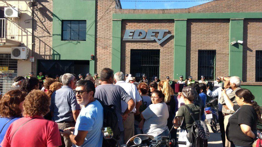 Una nueva jornada de protesta en la sede de EDET de Aguilares