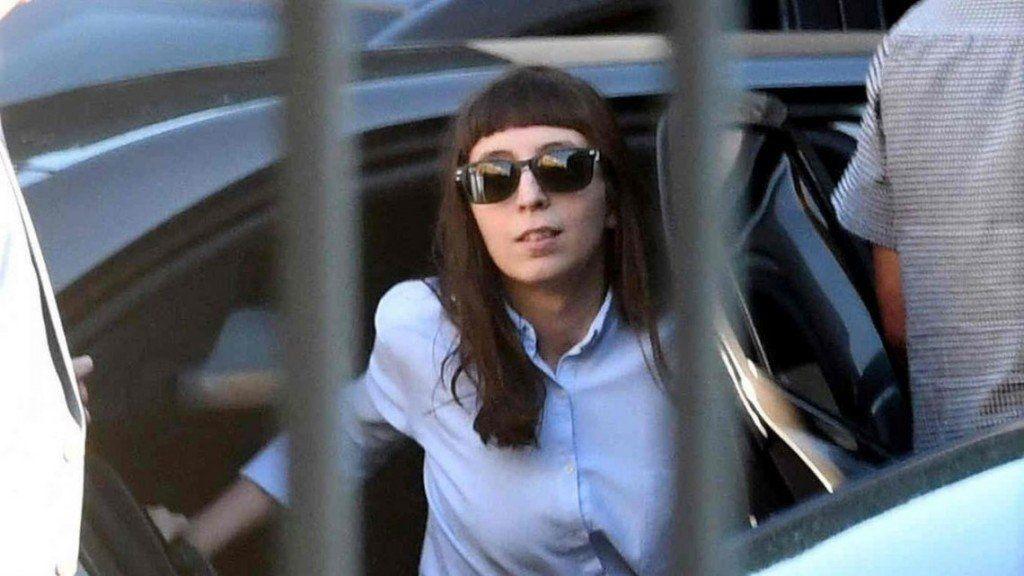 Florencia Kirchner fue autorizada a regresar al país el 15 de abril