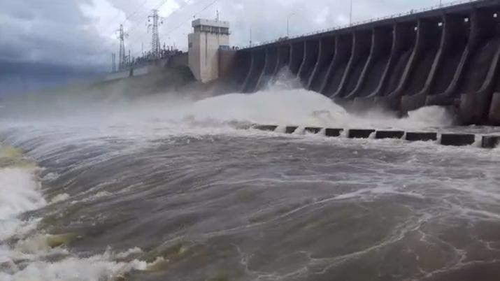 Recomiendan evitar las cercanías al dique de las Termas de Río Hondo