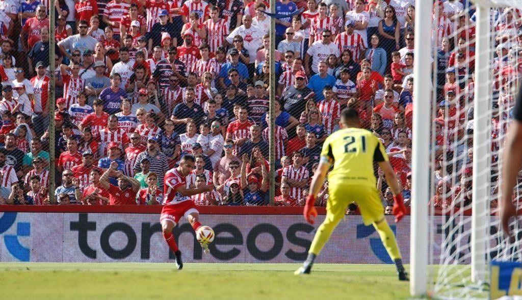 Unión empató y tiene un pie y medio en la Sudamericana 2020