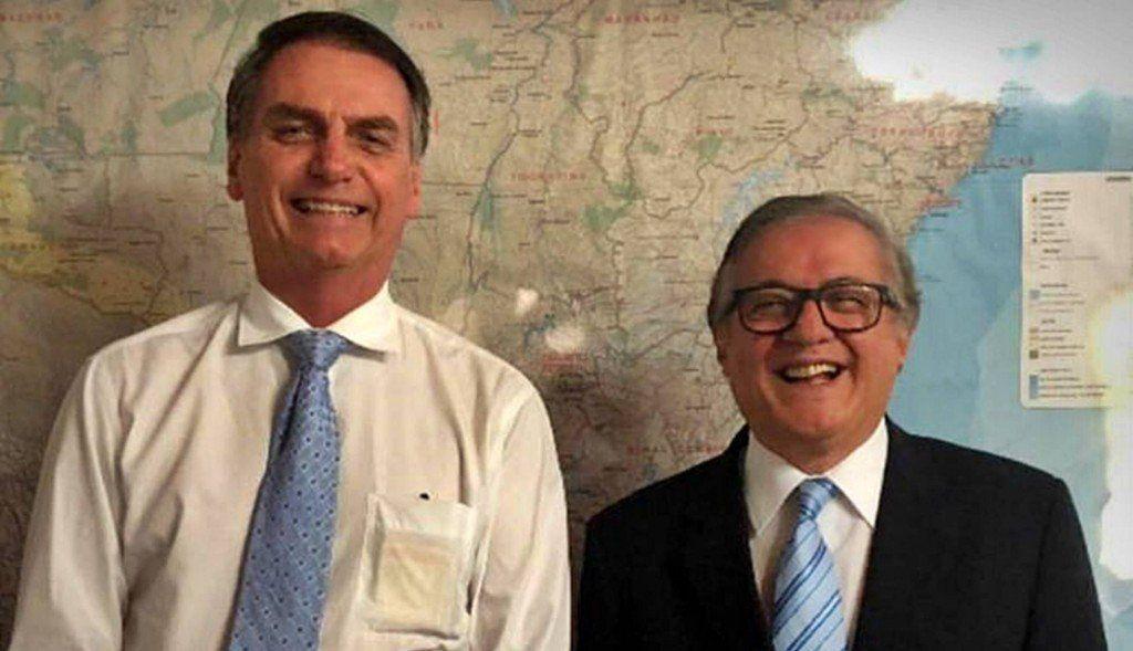 Bolsonaro destituyó al polémico ministro de Educación, Ricardo Vélez Rodríguez