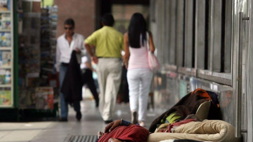 Se desplomó un 45% ingreso real de los sectores más pobres