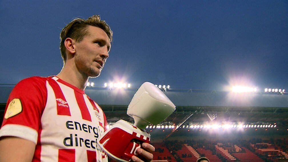 El PSV usó un robot para mostrarle el partido a un hincha enfermo