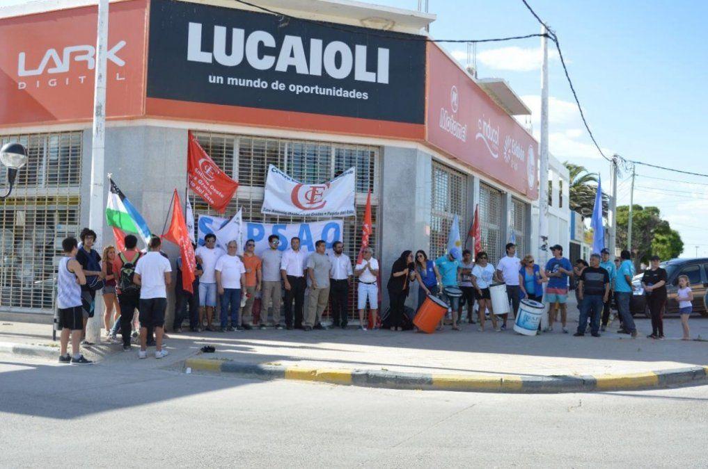 Cadena de electrodomésticos en crisis: cierra 30 locales y despide a 500 trabajadores