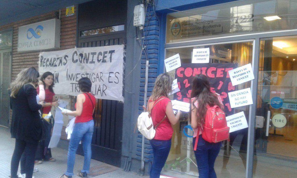 Investigadores protestaron en contra de las políticas de ajuste