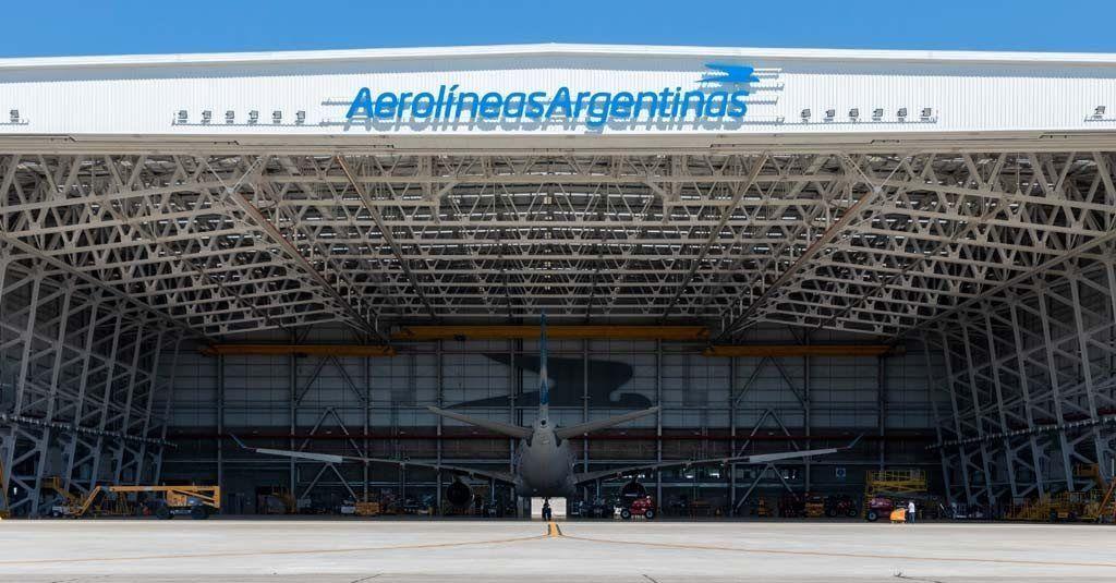 Empleados de Aerolíneas se registraban con dedos de silicona: los echaron