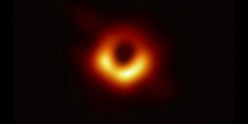 Revelaron la imagen de un agujero negro por primera vez