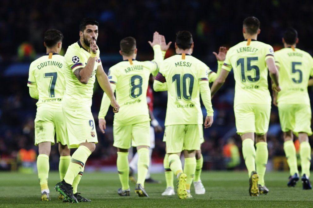 Barcelona golpeó en Old Trafford y quedó encaminado hacia las semis