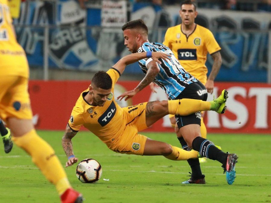 Central perdió 3-1 con Gremio en Porto Alegre y se complica