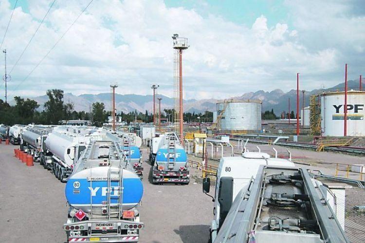 Surgen inconvenientes de abastecimiento de gasoil