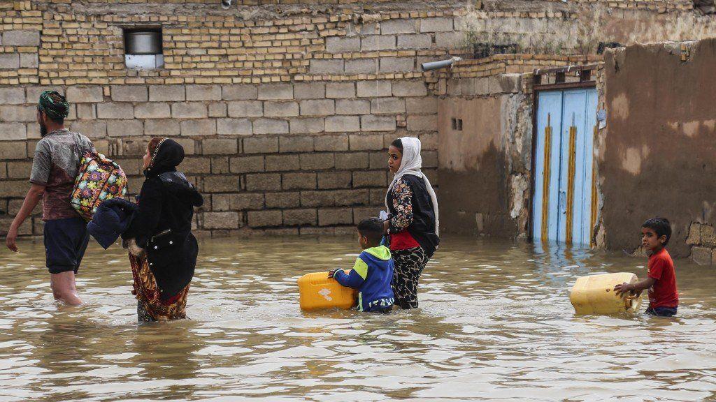 Inundaciones en Irán dejan más de 100 mil personas evacuadas