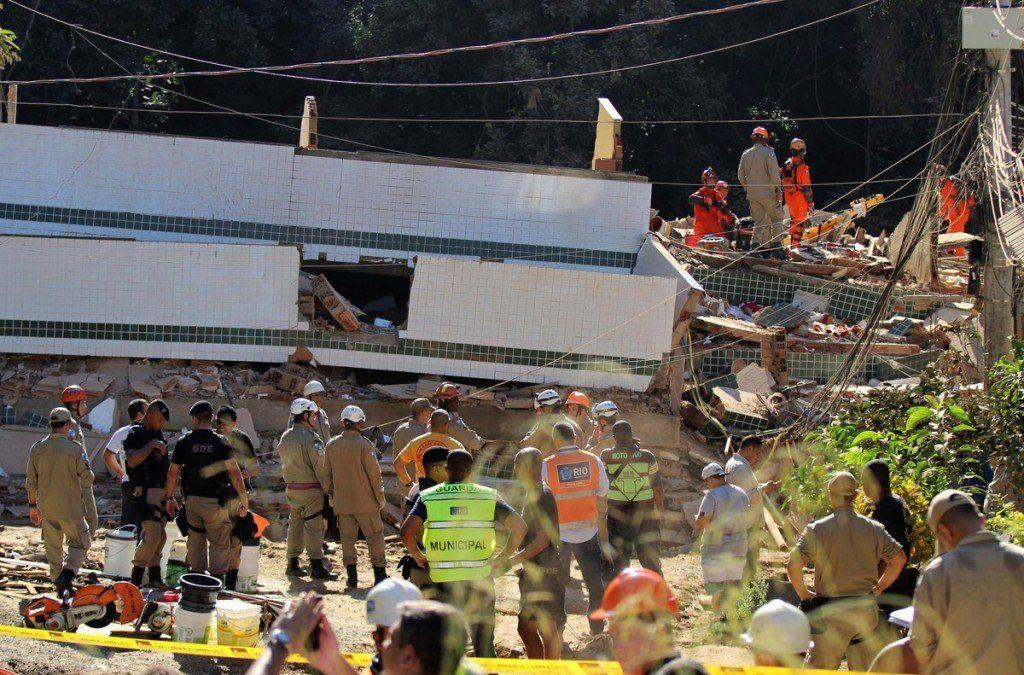 Derrumbe de edificios en Río de Janeiro: 3 muertos y 17 desaparecidos