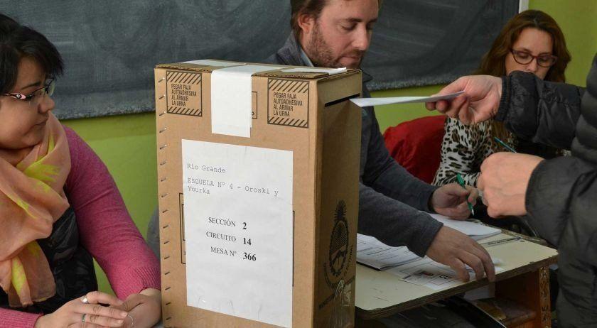 El Gobierno eliminó las listas colectoras y el peronismo irá a la justicia