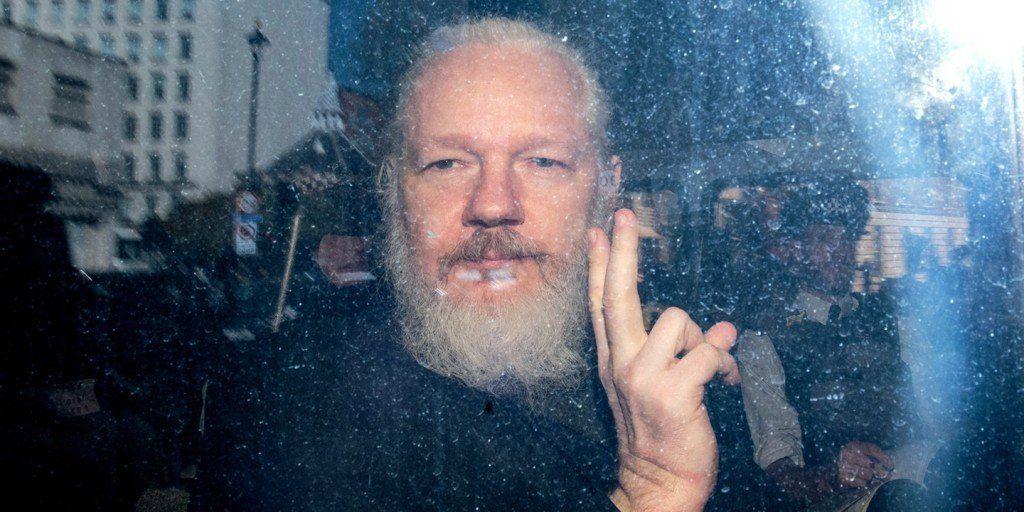 Tras el arresto de Assange, Wikileaks liberó todos sus archivos en la web